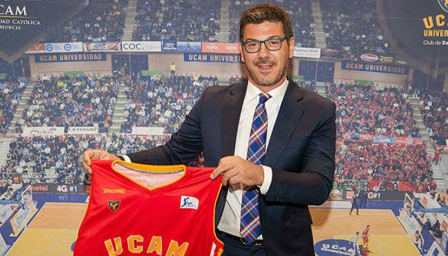Fotis Katsikaris, en su presentación con el UCAM Murcia