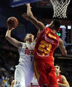 El joven Luka Doncic ante Lima. ACB Photo/P. Castillo